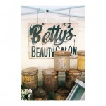 Love this sign @junkstyledesign. So much loveliness here! // #vintage